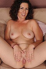 AllOver30 Matures MILFs XXX Photos Naked 2001-09-21 45 year old Tammy Sue slips off her elegant dress and poses in here